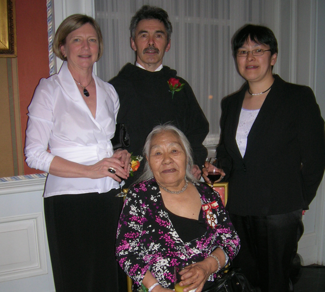 Pat, Silaaqi Ashevak, Jimmy Manning and Kenojuak Ashevak, Rideau Hall, 2008