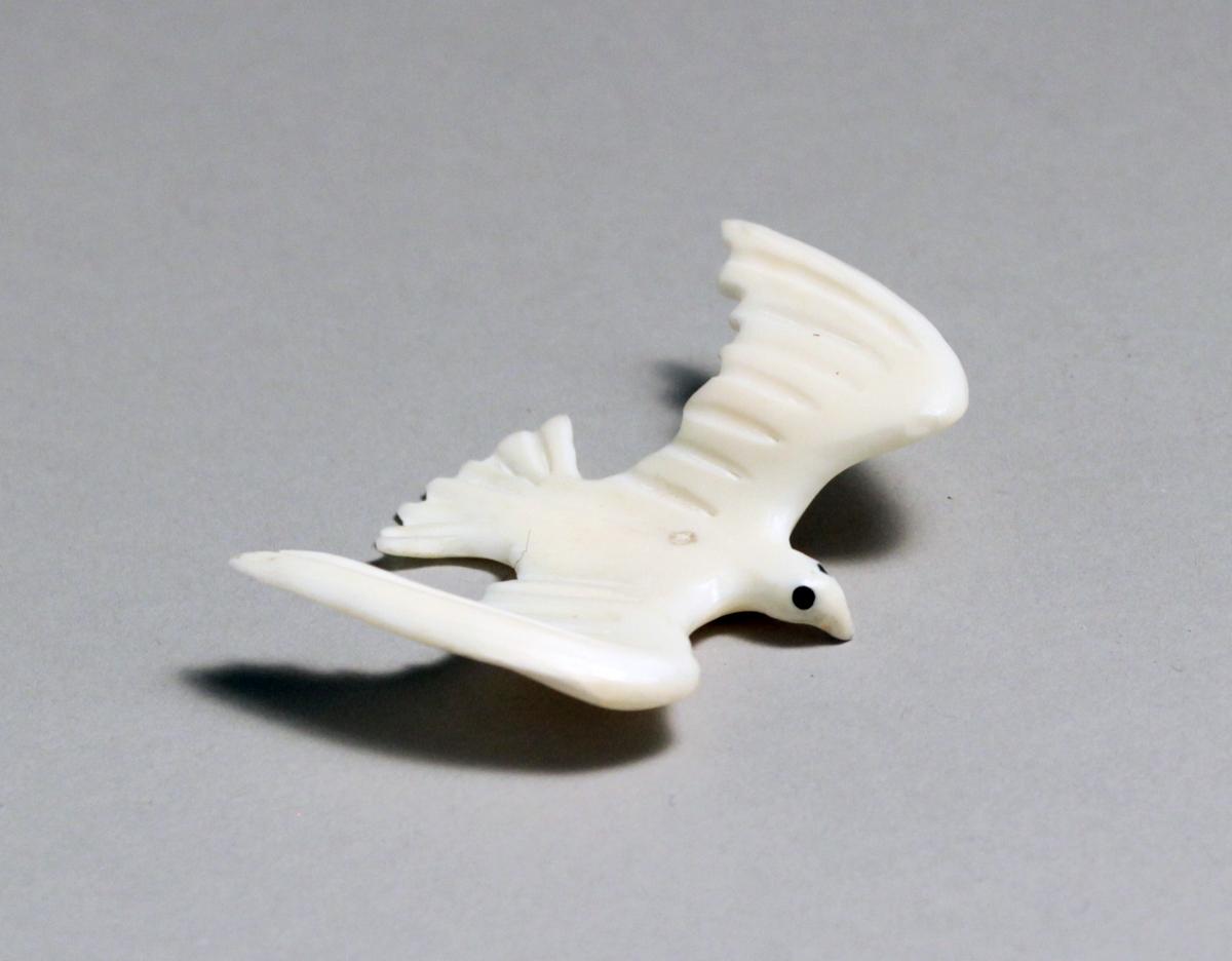 MINIATURE FLYING BIRD